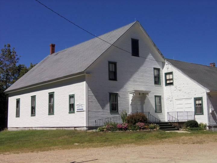 The 1872 Meaderboro Friends meetinghouse in rural Rochester, New Hampshire, replaced 1796 building. In 1963, however, the congregation left the Society of Friends and became Meaderboro Community Church.