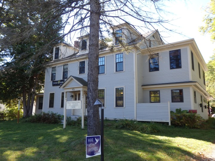 From the street, the Hanover Friends meetinghouse reflects its origins as a private residence near the Dartmouth College campus.